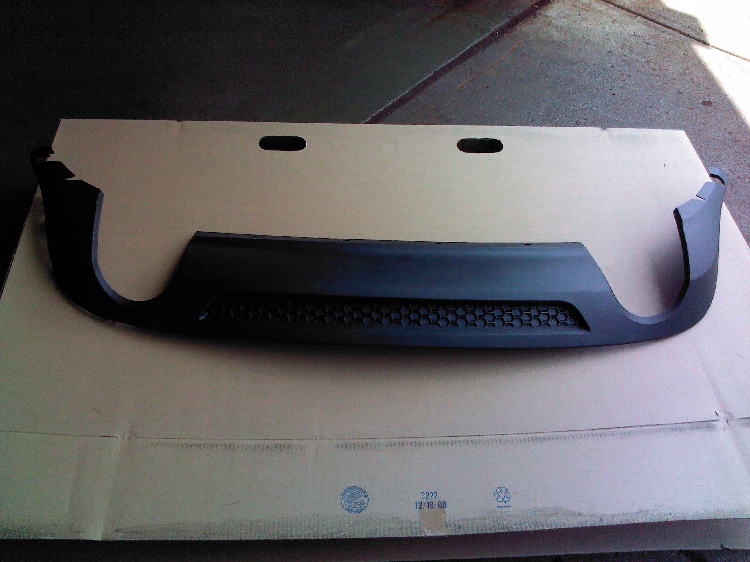 Pontiac    GM OEM 0809    G6    Rear BumperLower Cover 25859707