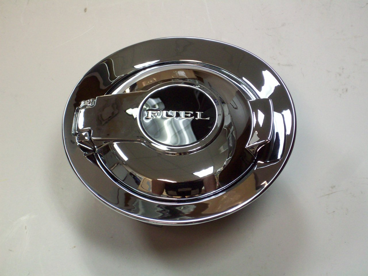 dodge chrysler oem 11 16 challenger fuel door gas cap. Black Bedroom Furniture Sets. Home Design Ideas