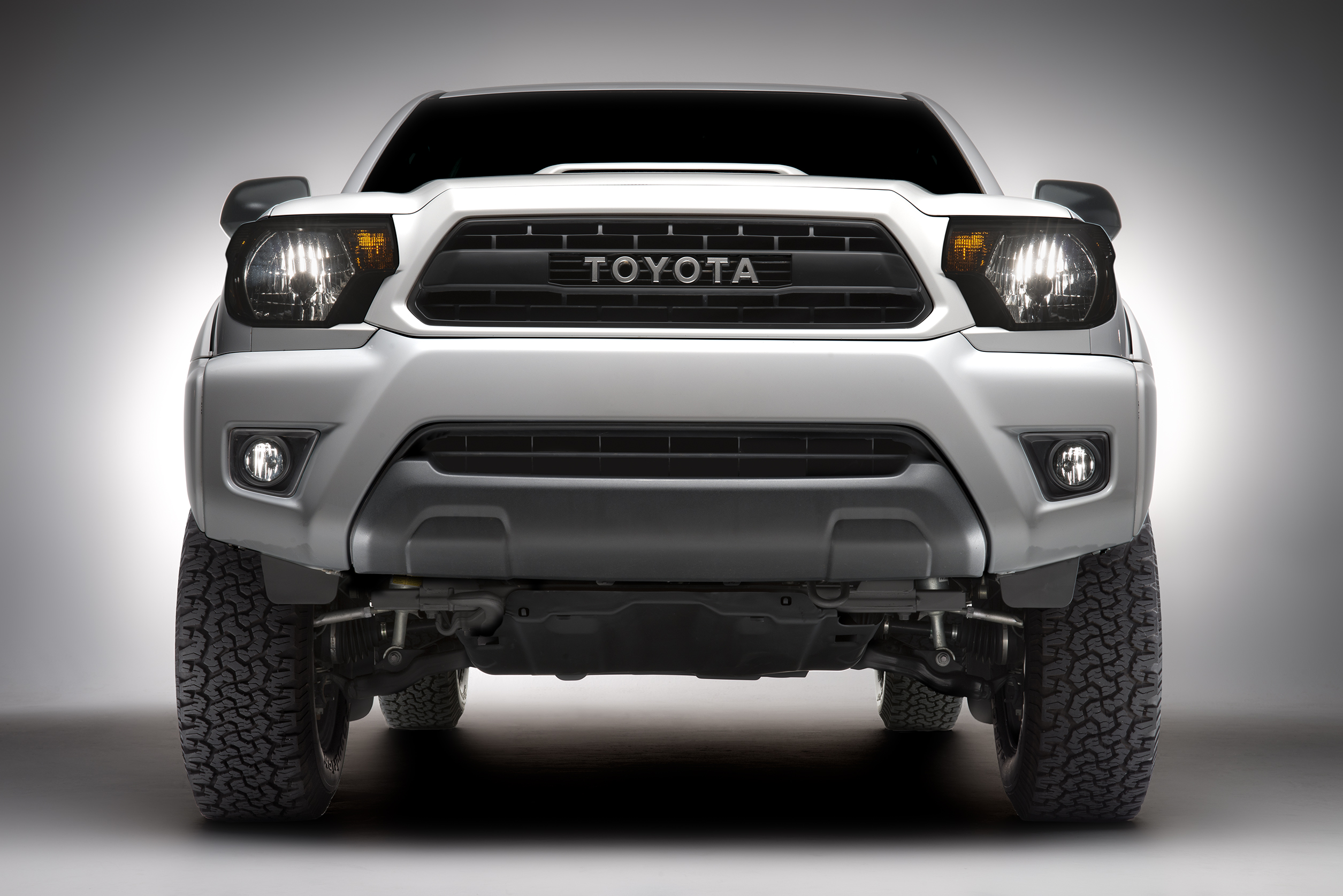 toyota new genuine factory trd pro 2015 tacoma grille. Black Bedroom Furniture Sets. Home Design Ideas
