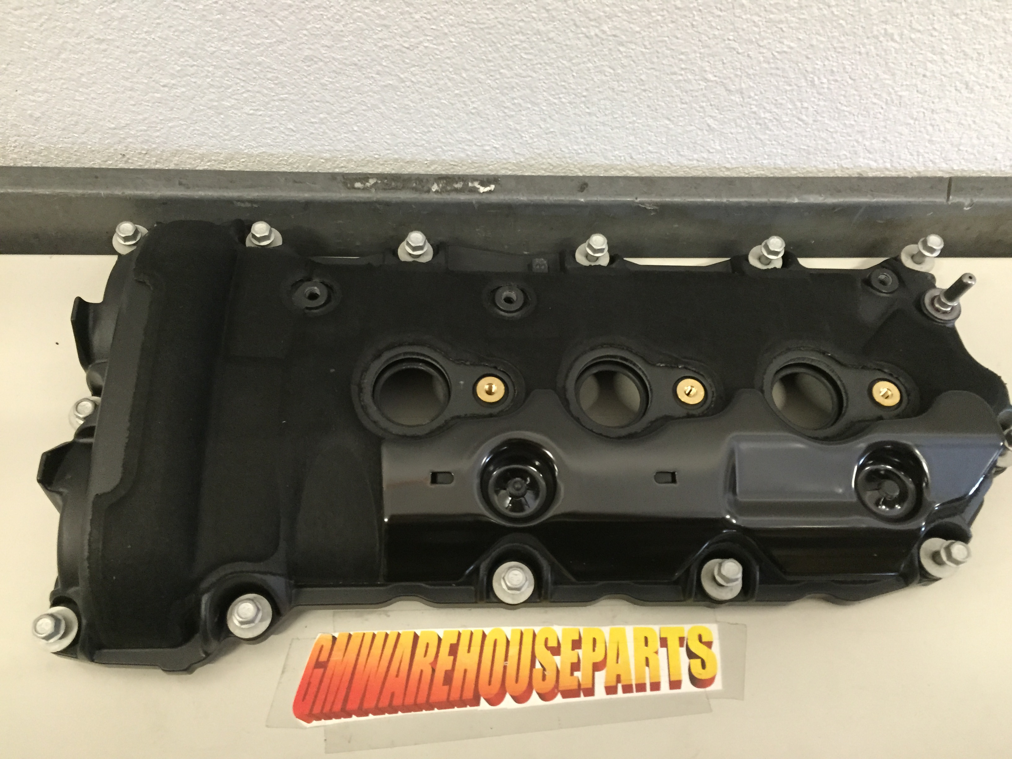 right engine valve cover 3 6 fits various models new gm 12641260 right engine valve cover 3 6 fits various models new gm 12641260