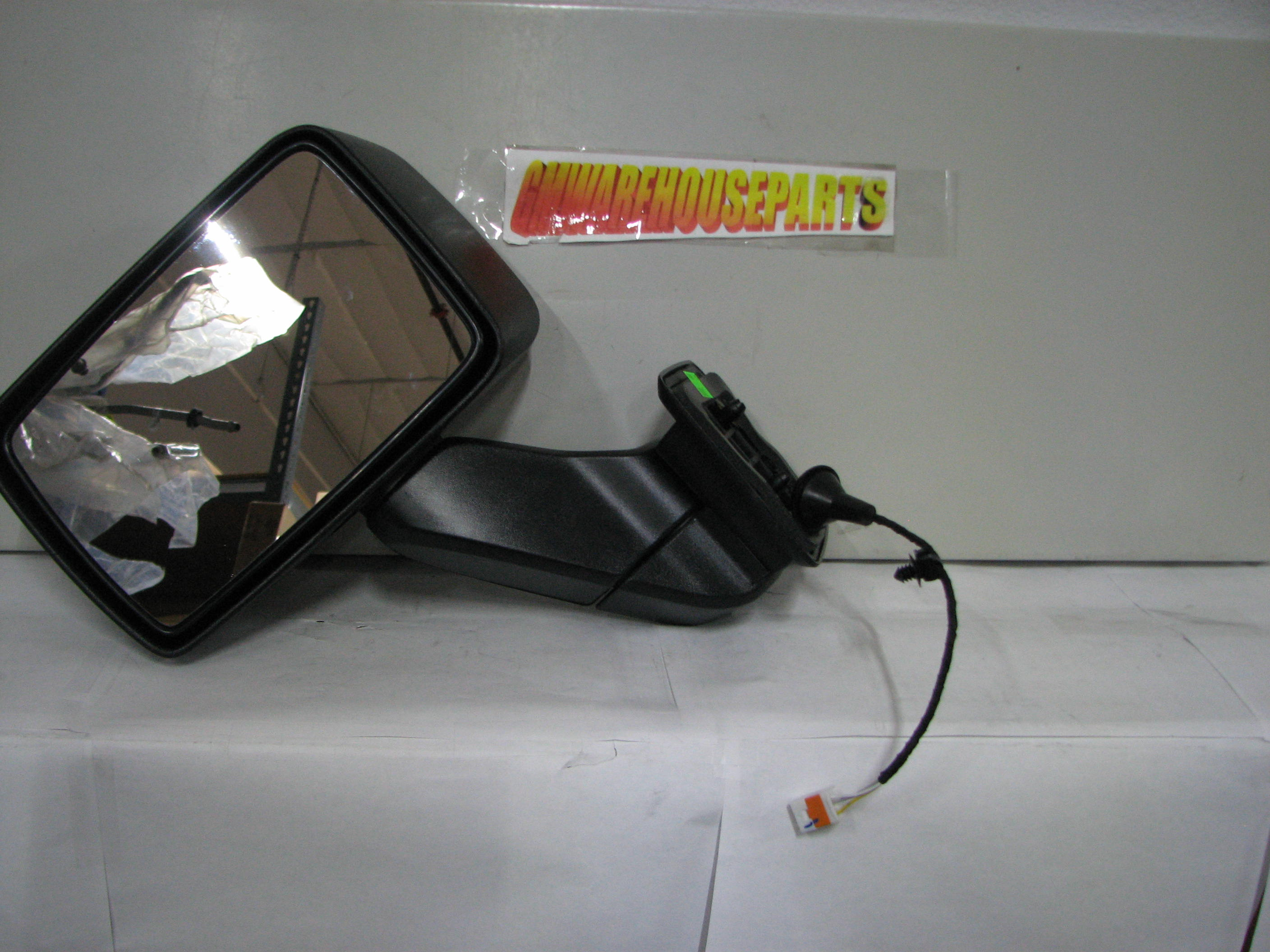 2006 Hummer H3 Driver Side Mirror Glass - 4081