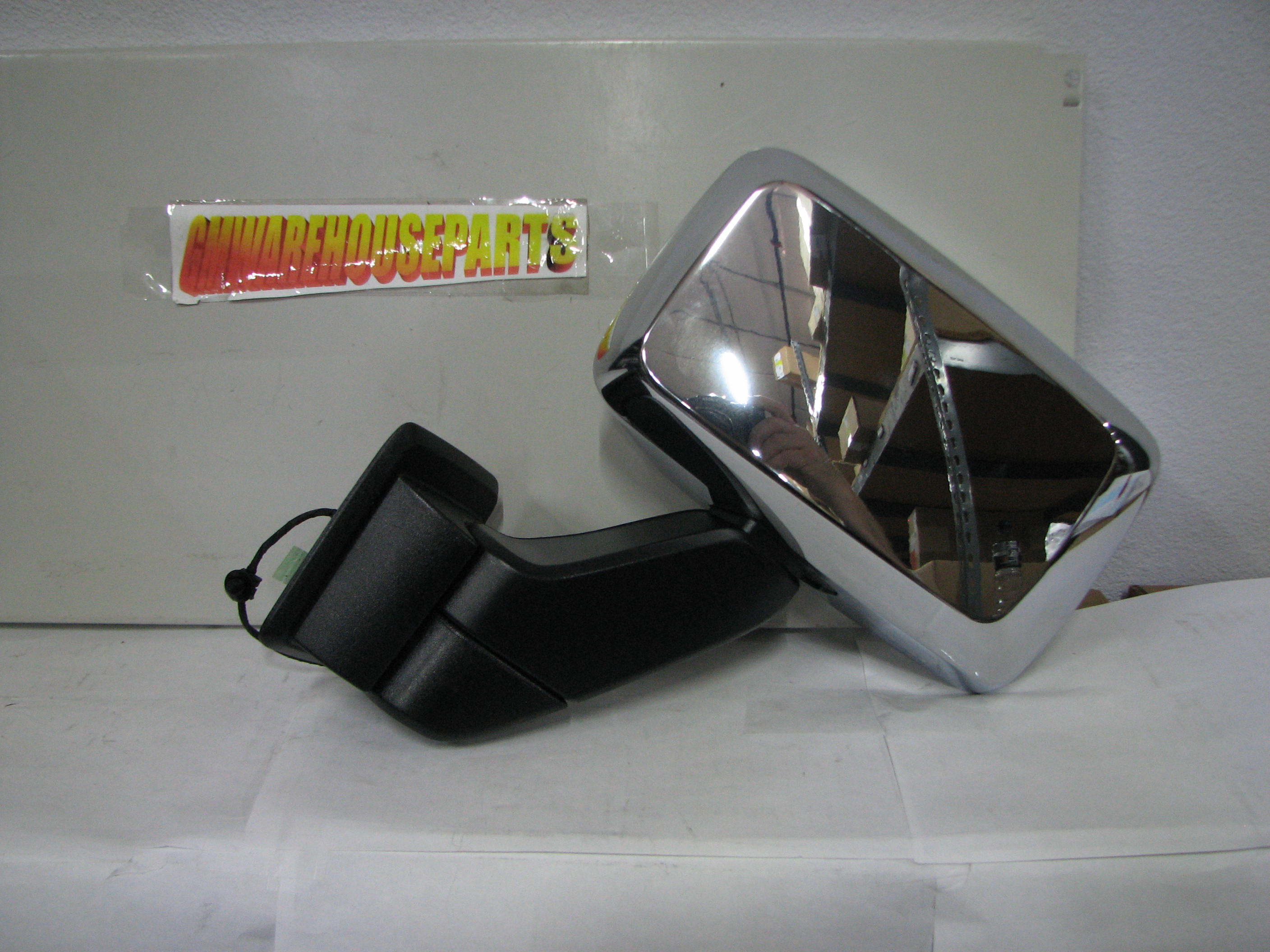 Hummer H3 Tow Mirrors & Side View Mirror Replacement