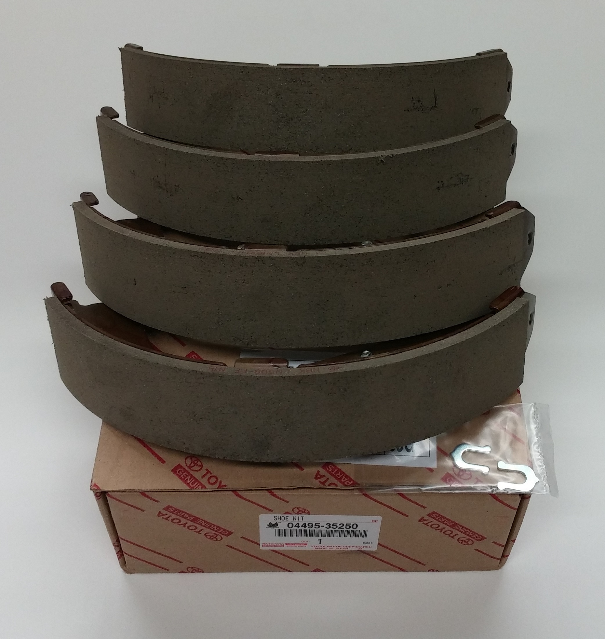 Tundra Tacoma 4runner Rear Brake Shoes 04495