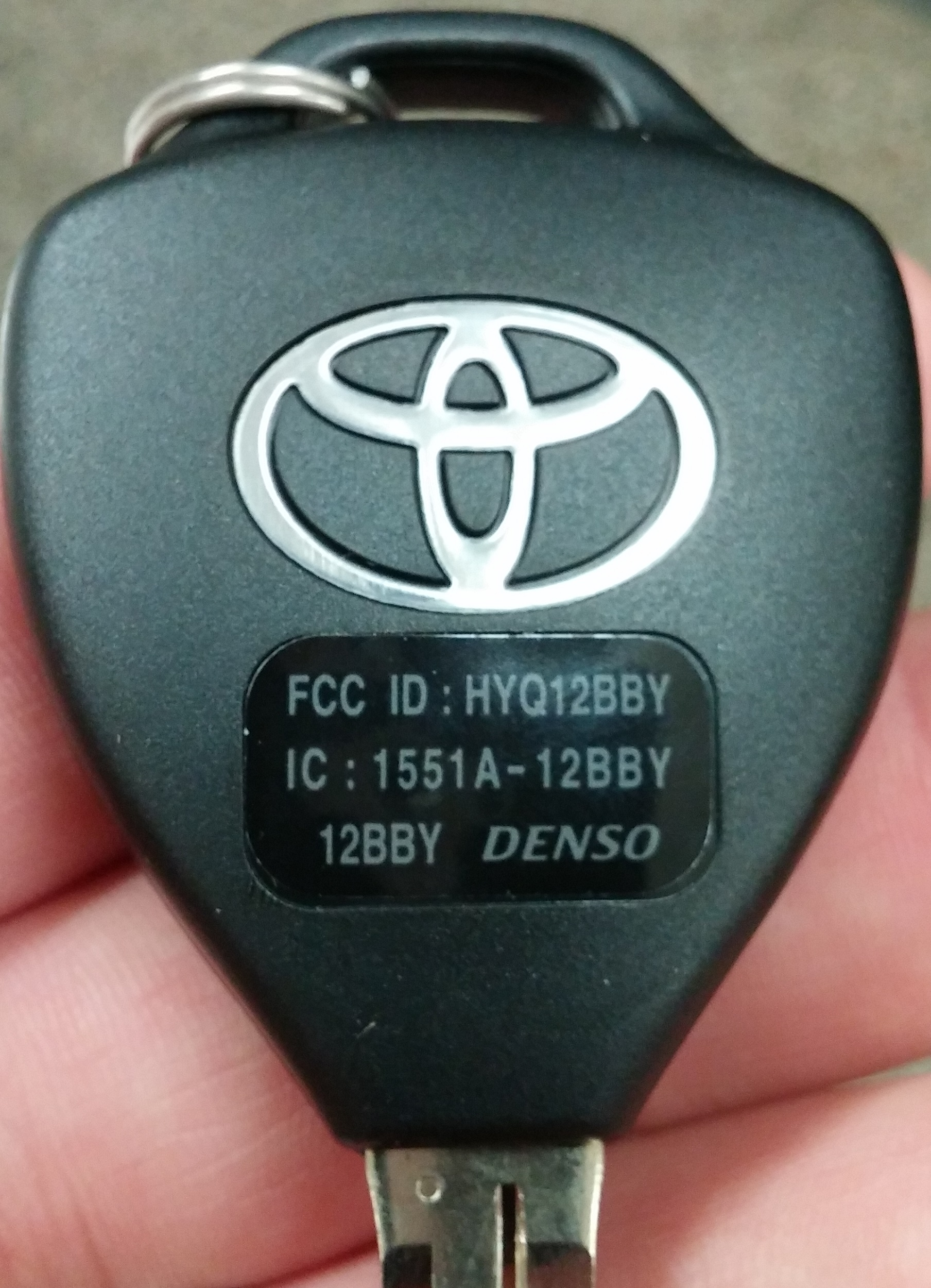 toyota camry 2008 key fob remote uncut 4 buttons key. Black Bedroom Furniture Sets. Home Design Ideas