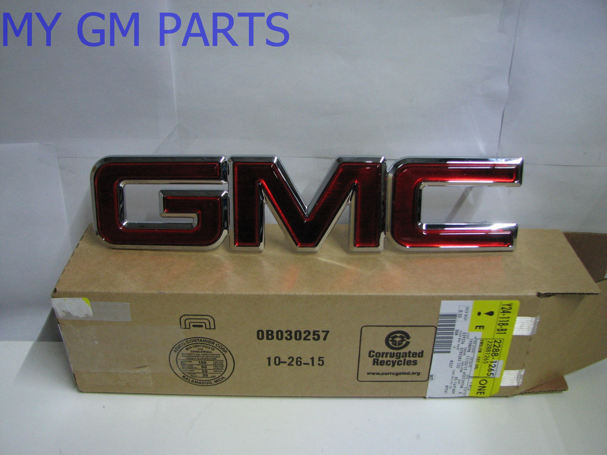 gmc sierra gmc yukon red gmc grille emblem 2000 2006 new. Black Bedroom Furniture Sets. Home Design Ideas