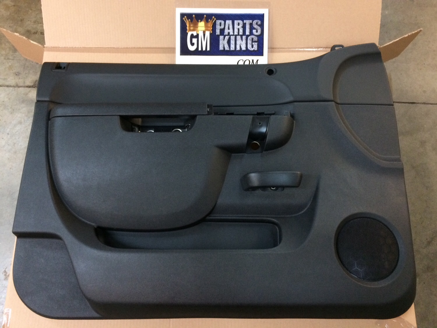 Gm oem front door interior trim panel left 22818465 ebay for Front door not centered
