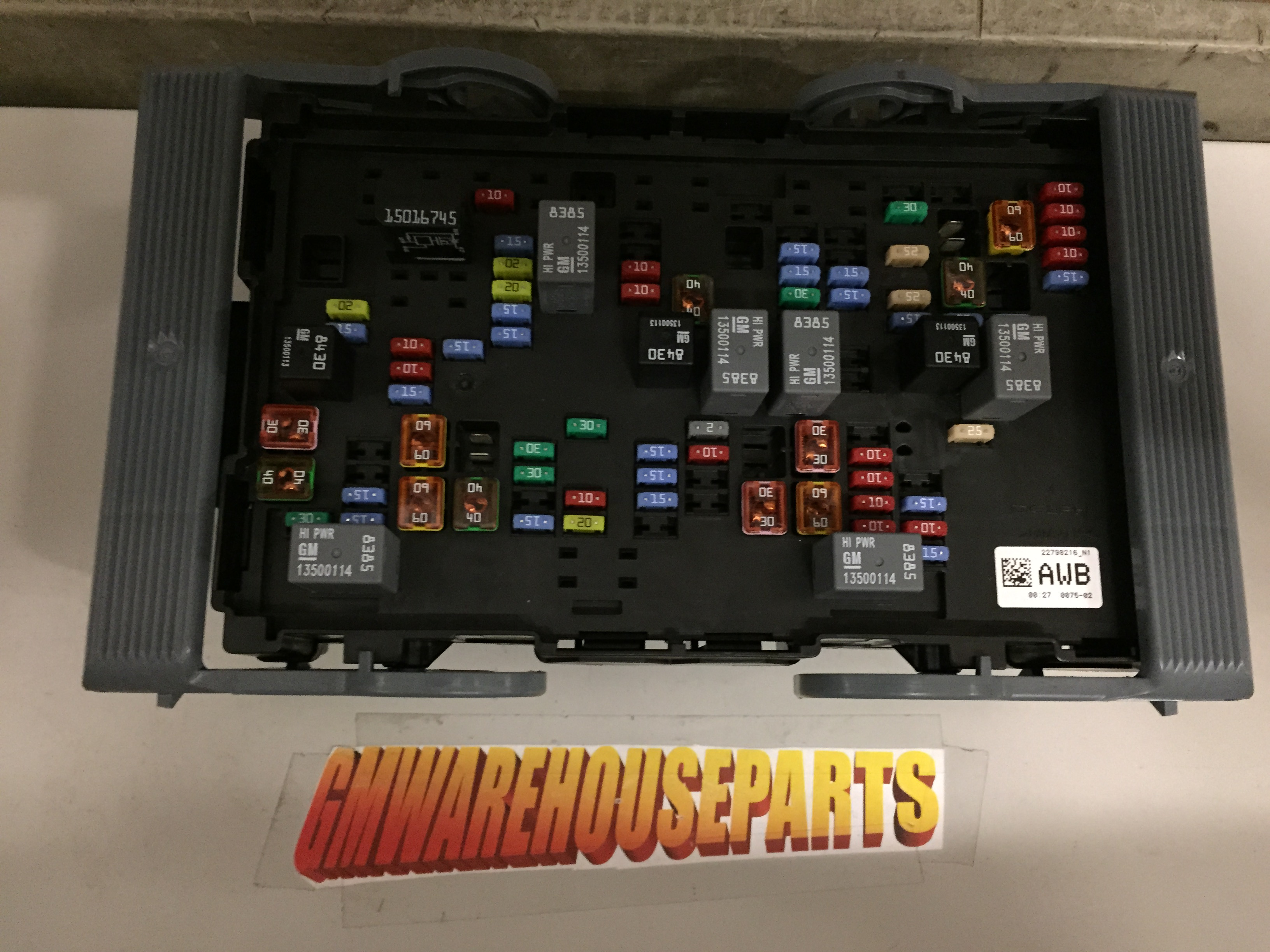 2010 Gmc Fuse Box Another Blog About Wiring Diagram Tahoe 2014 Silverado Sierra Duramax Diesel Under Hood Canyon